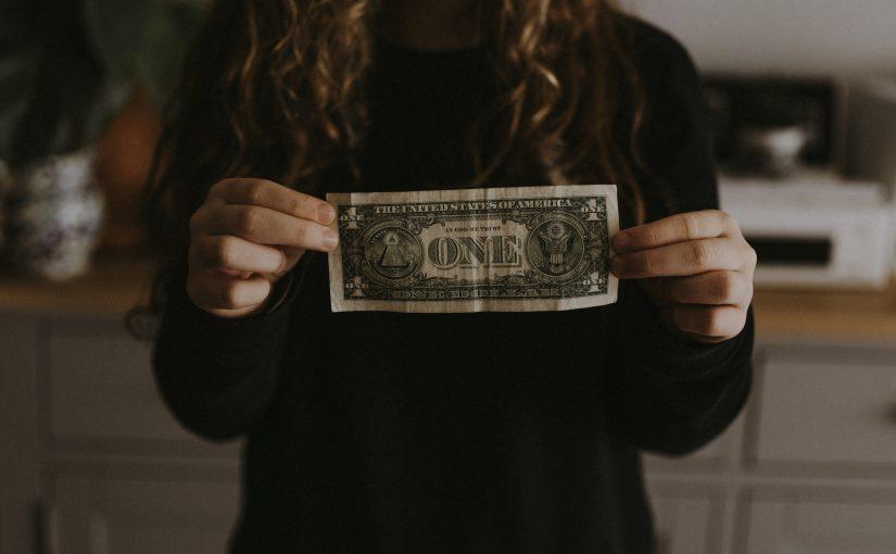 Более 300 000 рублей в месяц, 5-10 лидов (заявок) в день (Кейс, отзыв Soc Sender)